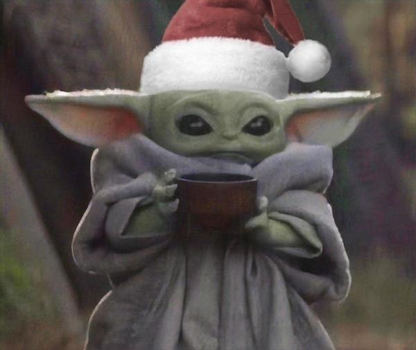 baby-yoda-Santa