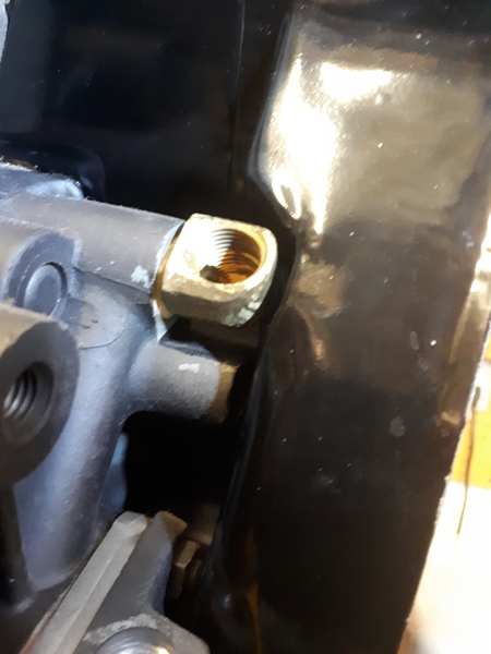 oil fitting clearanced