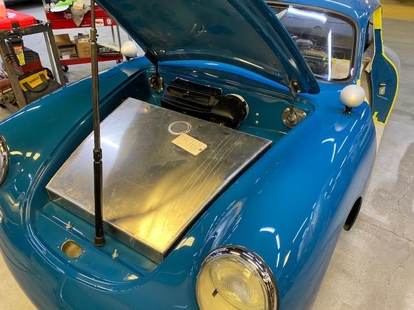 Gas tank in car 1