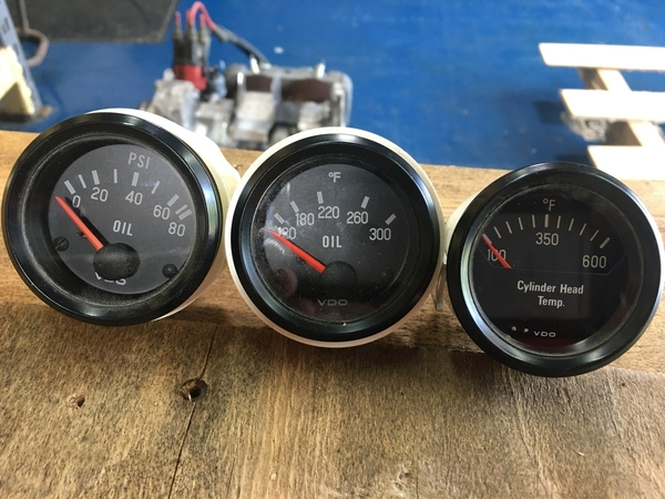 Type 4 engine gauges