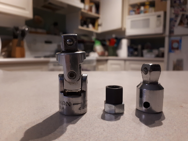 wobble vs universal joint
