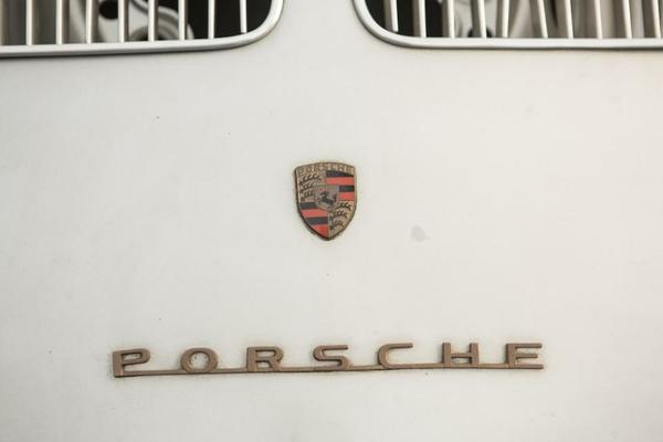 Porsche 550 Rennsport Spyder 550-0090 b back